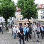 Gruppe auf Marktplatz